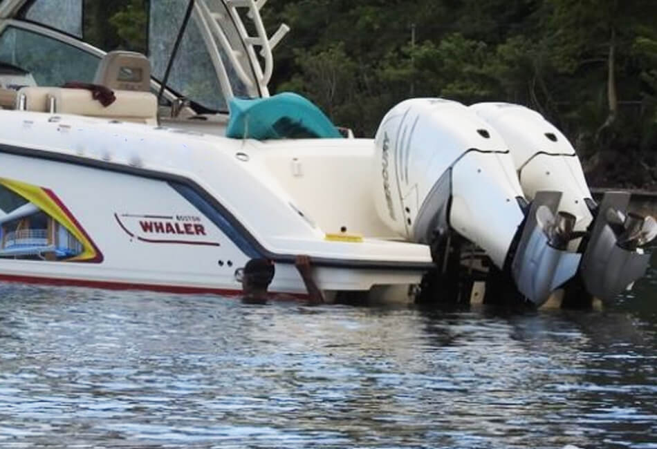 32 ft Vantage Boston Whaler